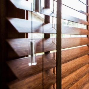 persiana-horizontal-em-madeira-50mm